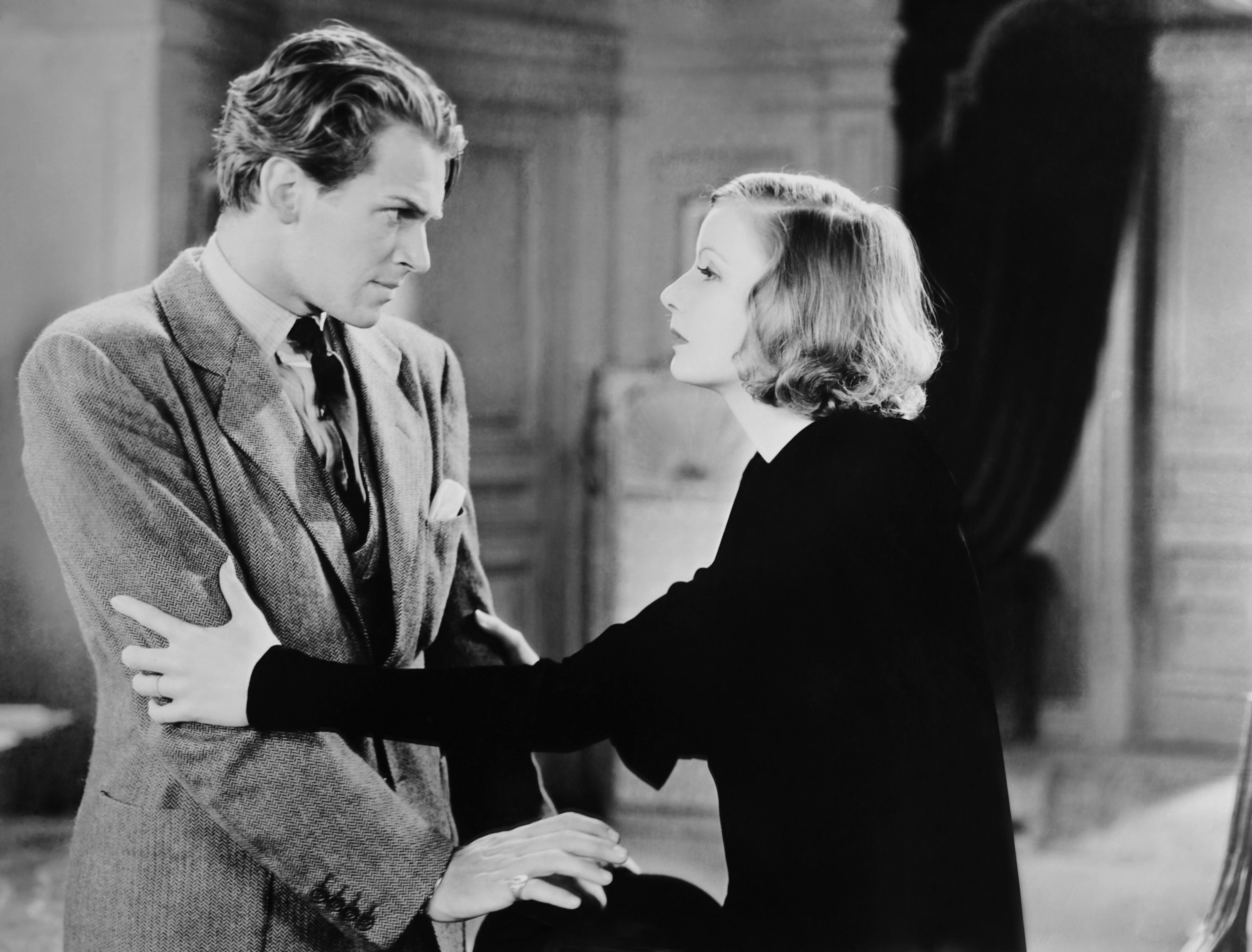 1585899044382_AWomanofaffairs_28.jpg - Destino, 1928 con l'attore Douglas Fairbanks jr